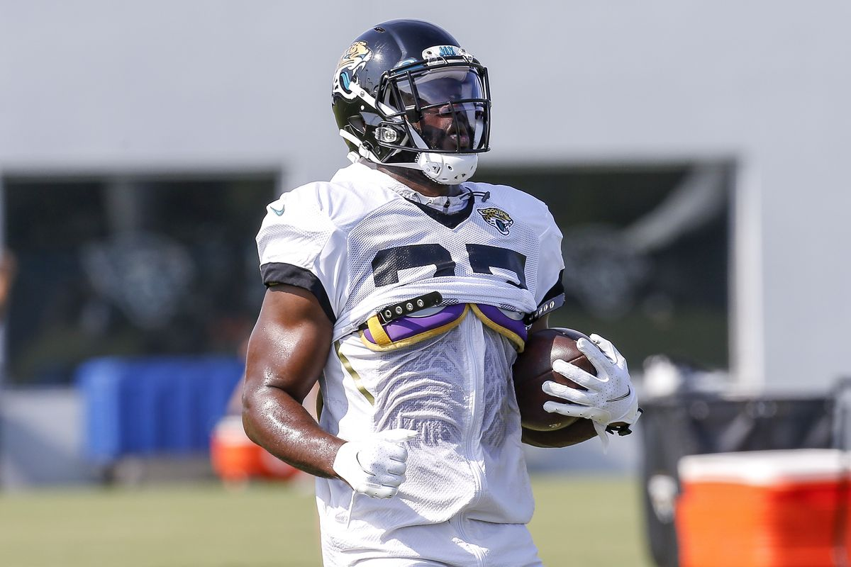 Leonard Fournette Clears Waivers What It Means Teams Who Might Be Interested In Free Agent Rb Draftkings Nation