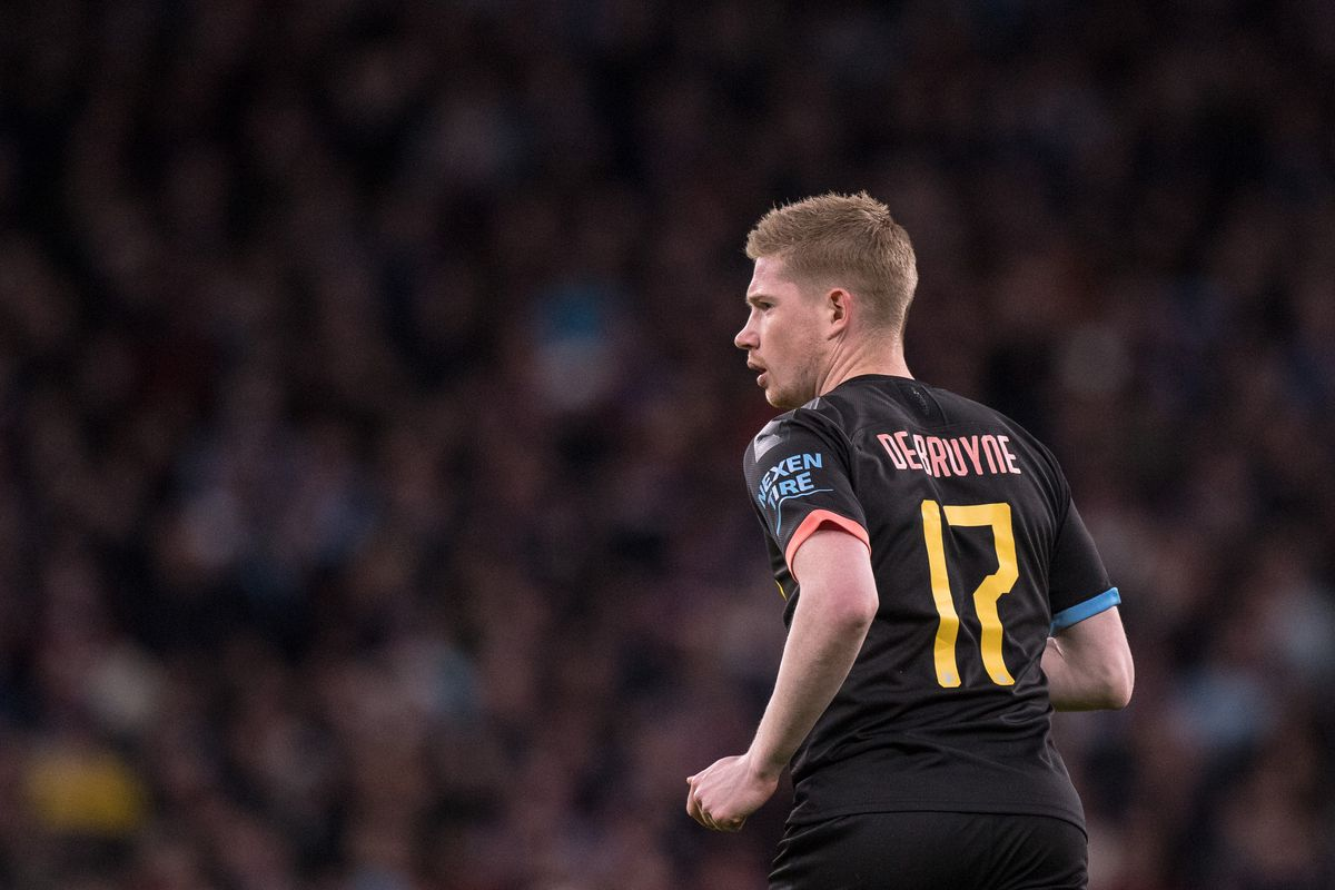 Kevin De Bruyne of Manchester City looks on during the Carabao Cup Final between Aston Villa and Manchester City at Wembley Stadium on March 1, 2020 in London, England.