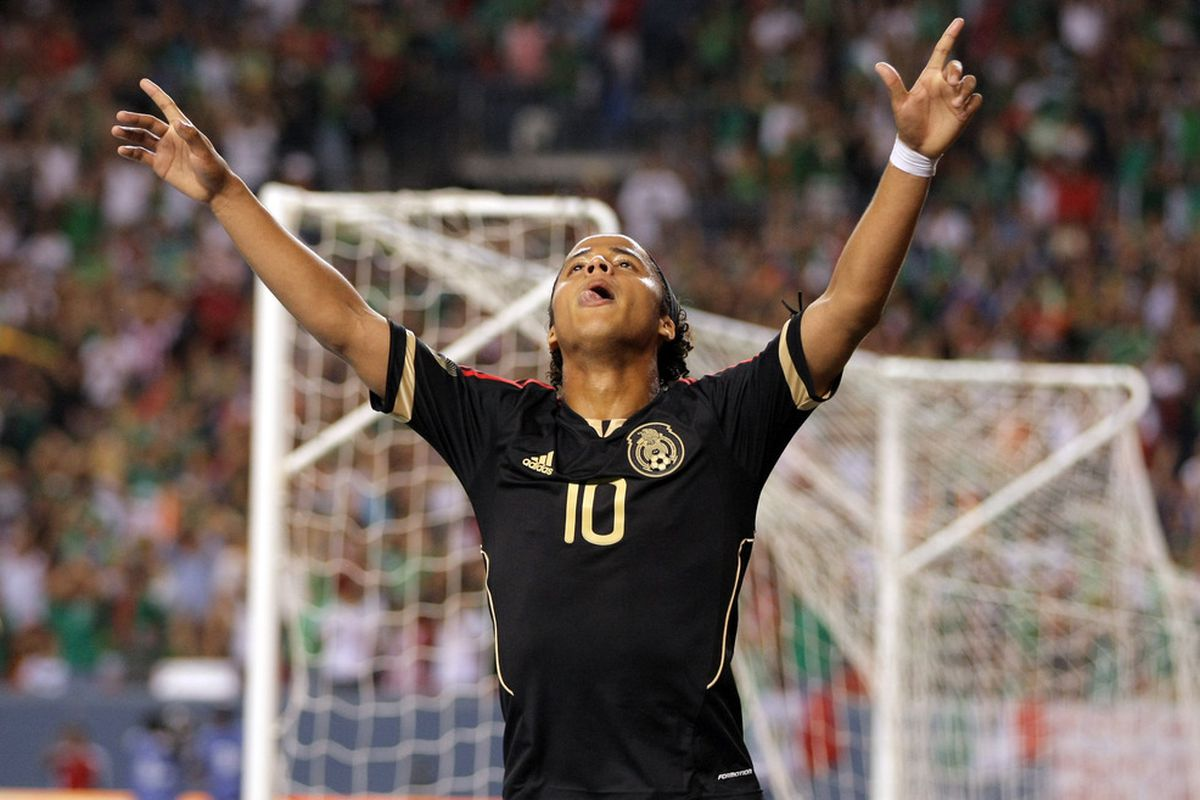 DENVER, CO - JUNE 01:  Giovani Dos Santos #10 of Mexico celebrates his second goal of the game against New Zealand at INVESCO Field at Mile High on June 1, 2011 in Denver, Colorado.  (Photo by Doug Pensinger/Getty Images)