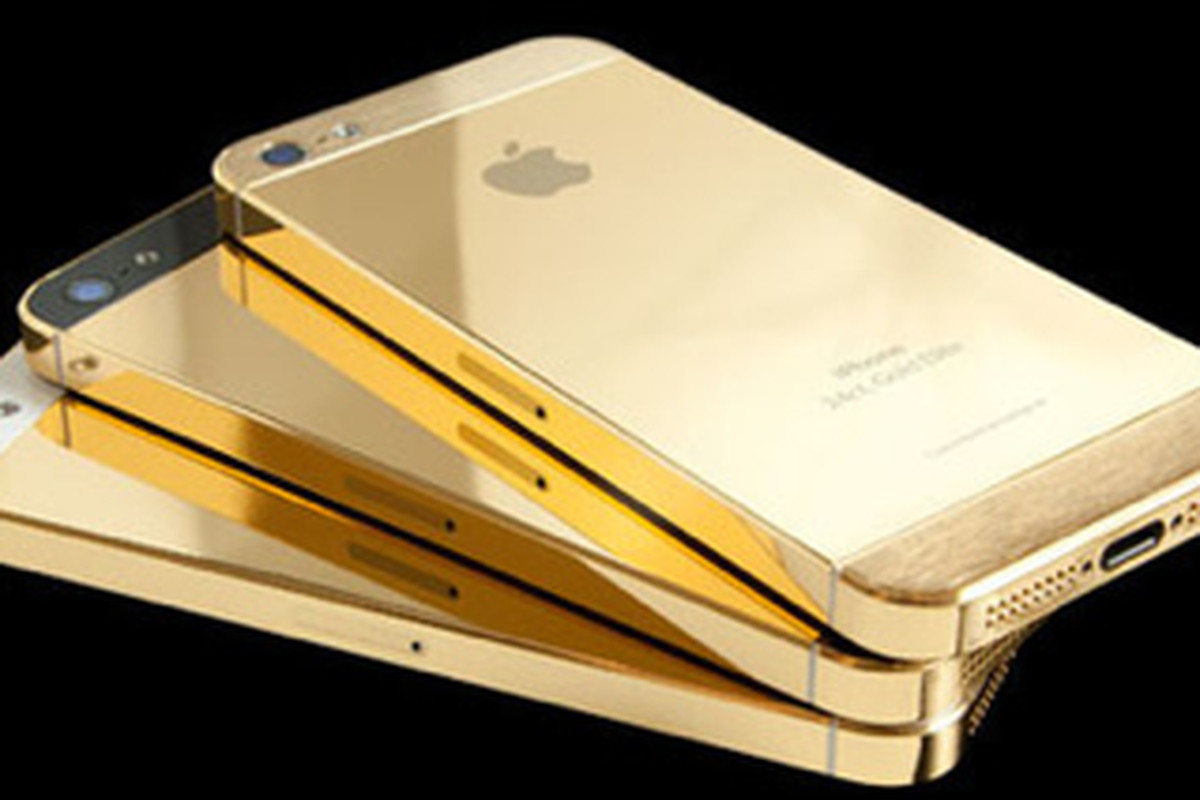 "Image via <a href=""http://www.ebay.com/itm/Apple-iPhone-5S-Latest-Model-64GB-Gold-Verizon-Smartphone-/171133424345?pt=Cell_Phones&amp;hash=item27d858d2d9"">eBay</a>"
