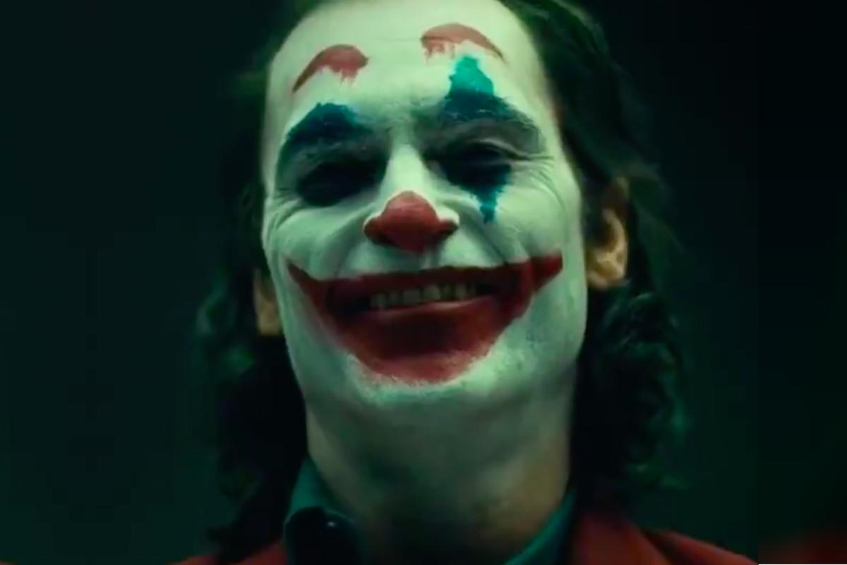 Joaquin Phoenix's Joker makeup from 2019 Joker movie