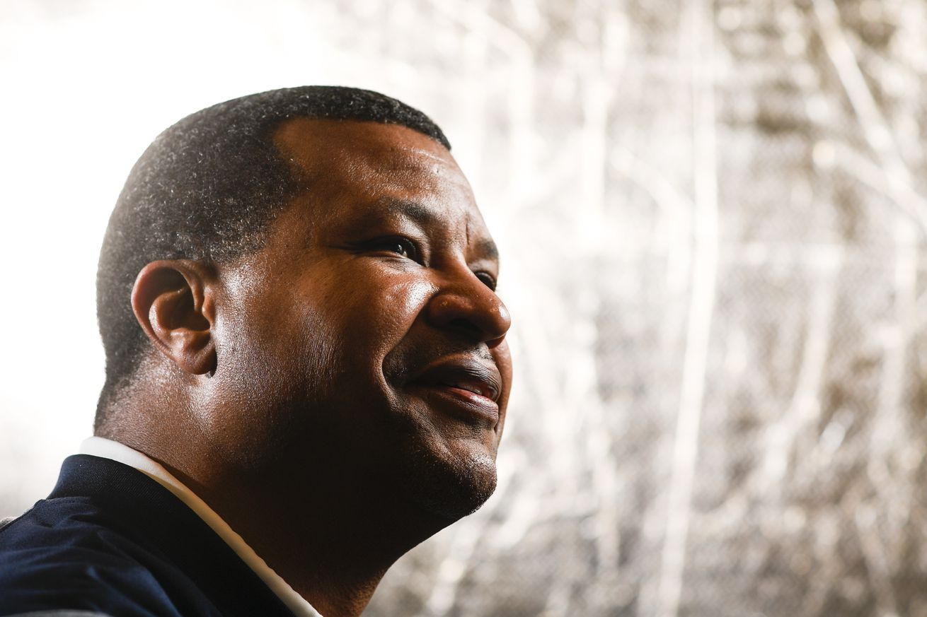 Watch Steve Atwater's reaction upon getting the knock at the HOF door