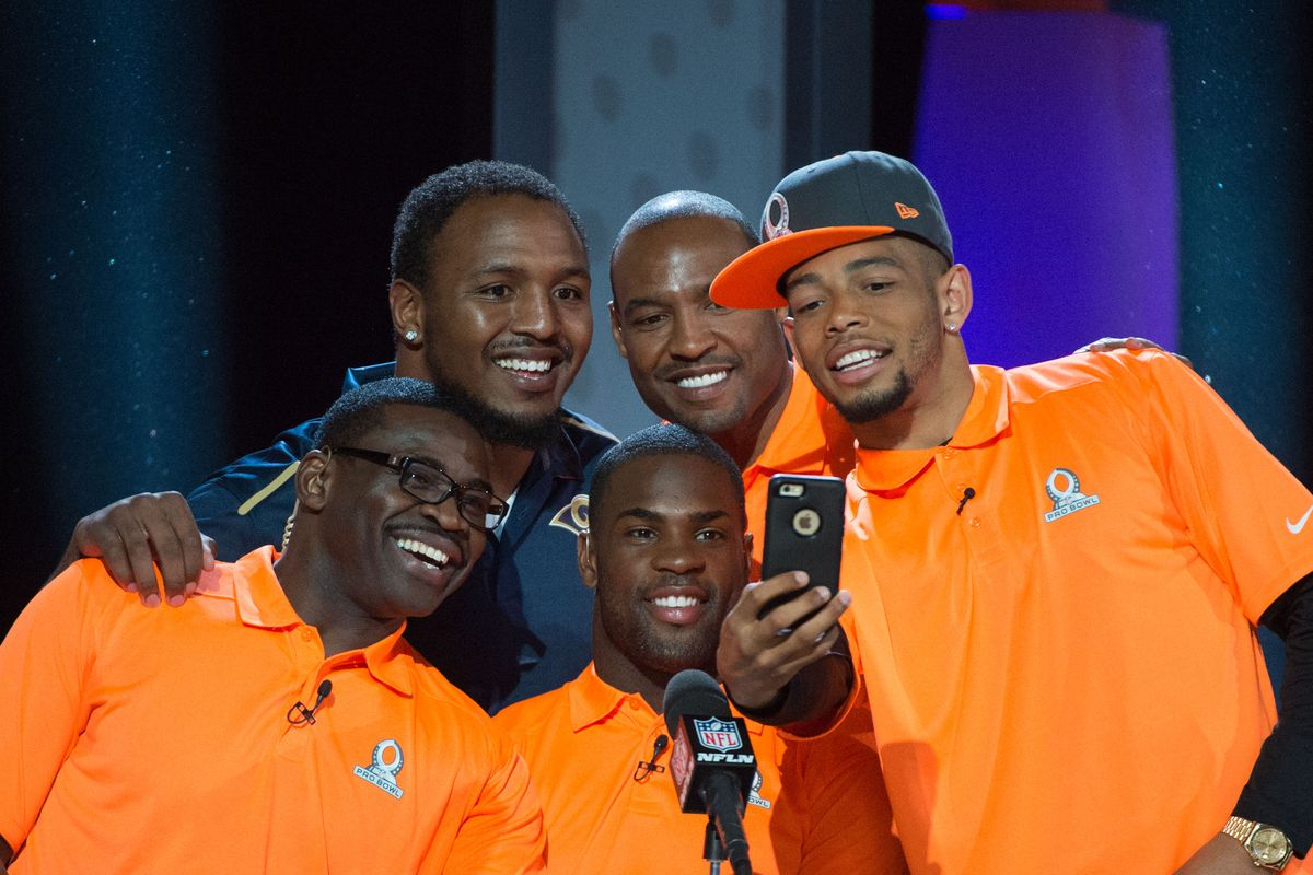 Browns CB Joe Haden (far right) poses for a selfie with Michael Irvin, Robert Quinn, DeMarco Murray, and Charles Woodson.