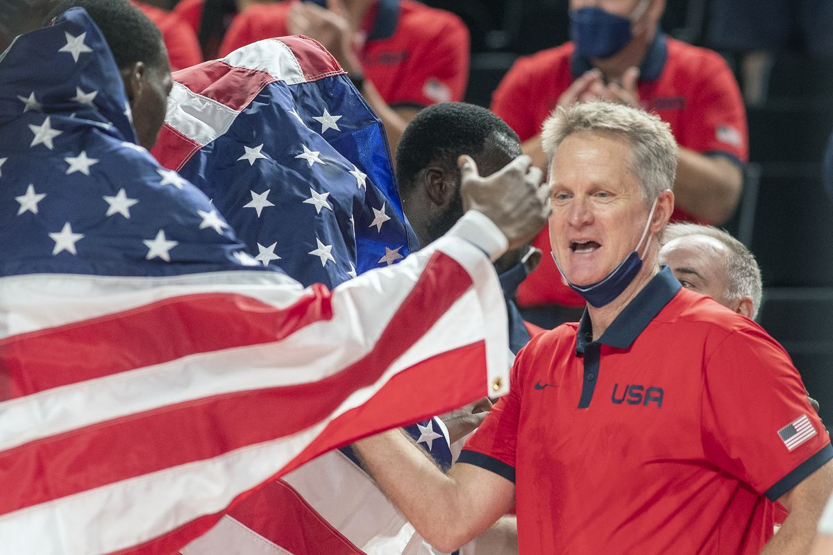 arizona-wildcats-steve-kerr-football-basketball-honorary-captain-2021-home-opener-sellout-fisch