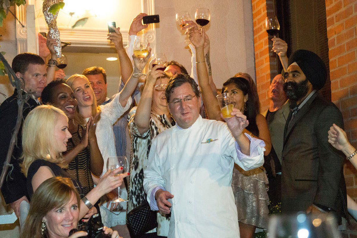 Charlie Trotter raises a glass to 25 years