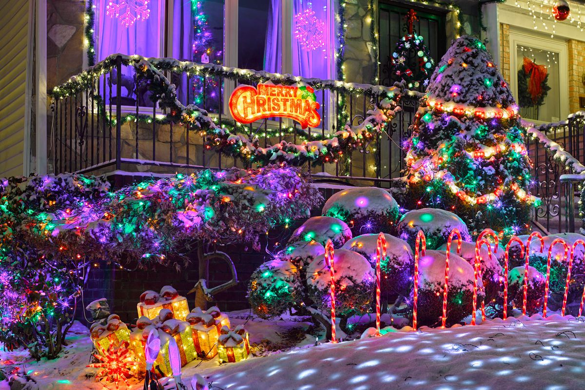 there are plenty of festive holiday displays in new york citytrees windows and suchbut no one does things quite like the brooklyn neighborhood of dyker