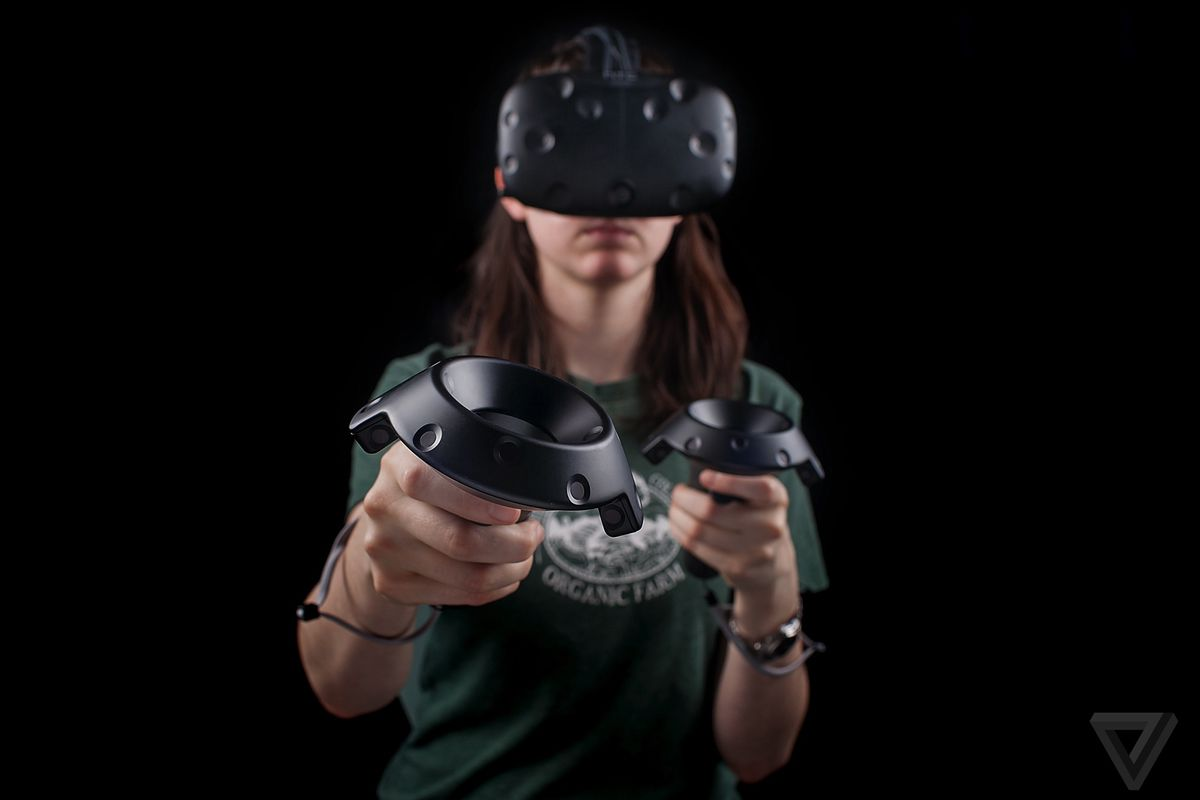 HTC Vive now costs $200 less