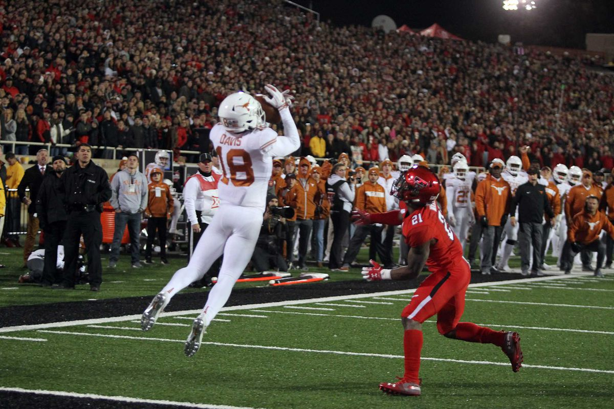 Inability to capitalize on turnovers hindered Texas in 2018