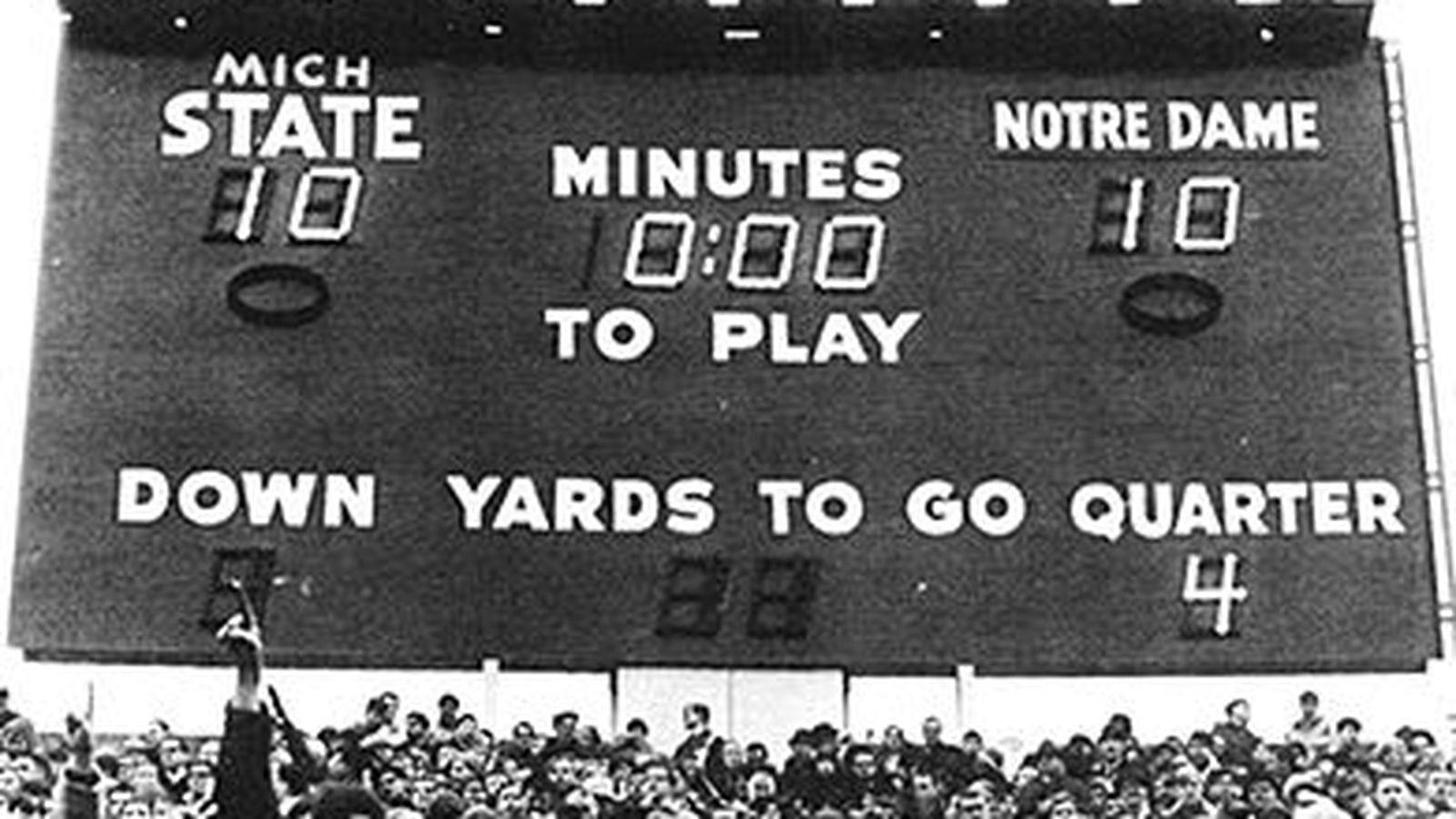 Notre Dame vs  Michigan State: Clone Wars - One Foot Down