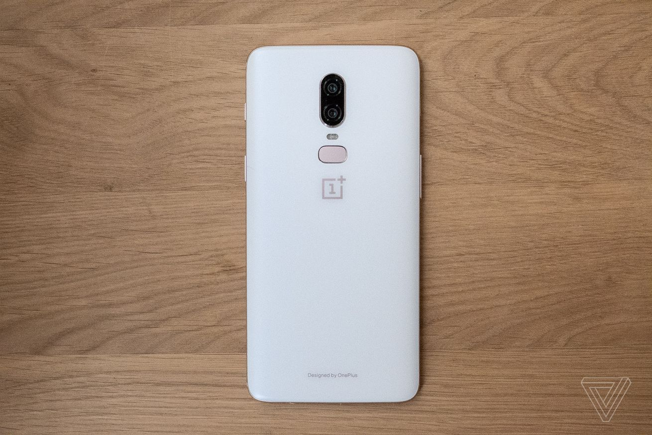 over 1 million oneplus 6 phones were purchased in less than a month