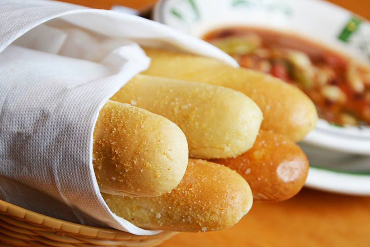 Olive garden 39 s breadsticks are still under attack eater for How many carbs in olive garden breadsticks