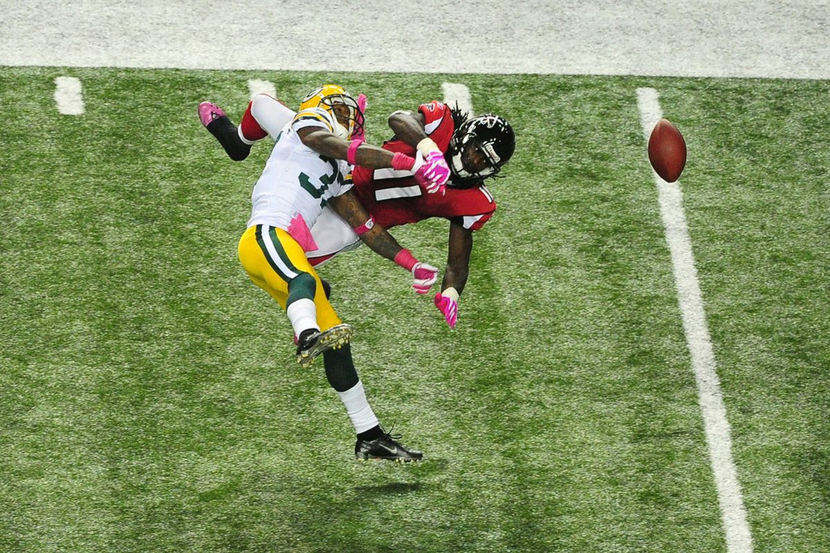 ATLANTA, GA - OCTOBER 9: Sam Shields #37 of the Green Bay Packers defends a pass against Julio Jones #11 of the Atlanta Falcons at the Georgia Dome on October 9, 2011 in Atlanta, Georgia. (Photo by Scott Cunningham/Getty Images)