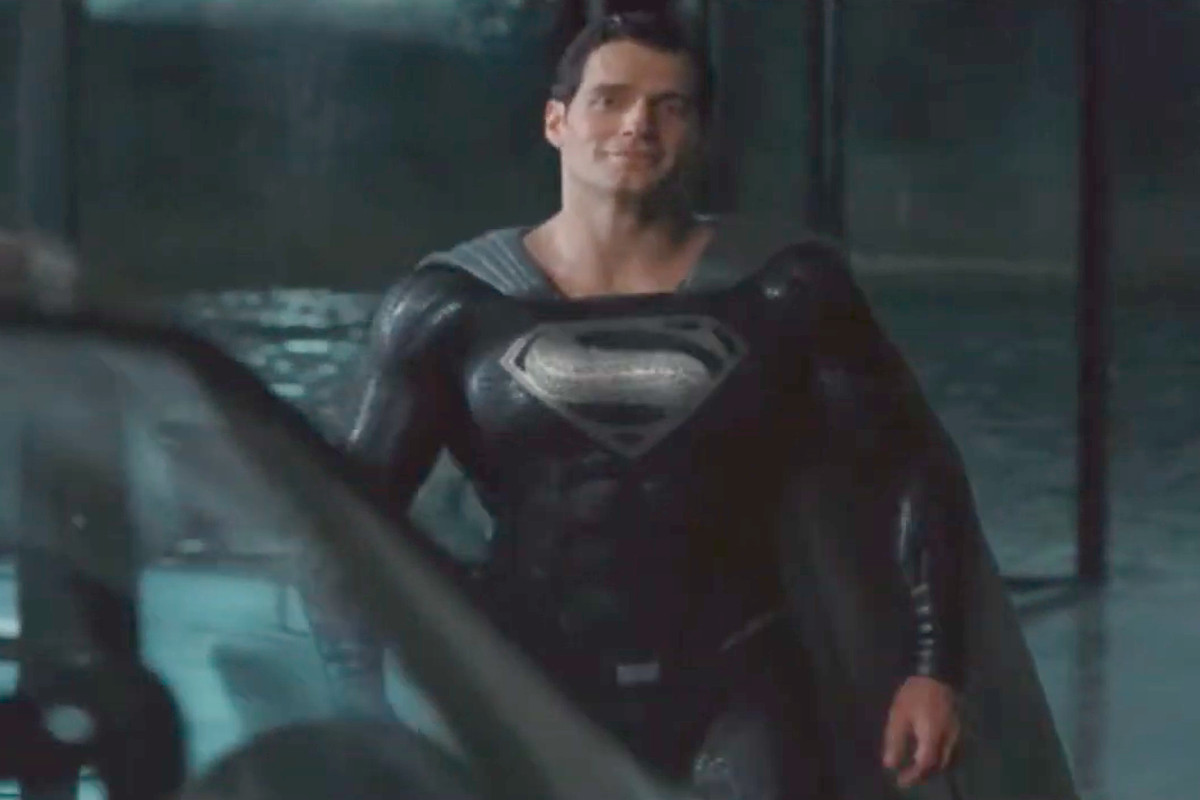Superman wears a black Superman costume while meeting Alfred in Zack Snyder's Justice League cut