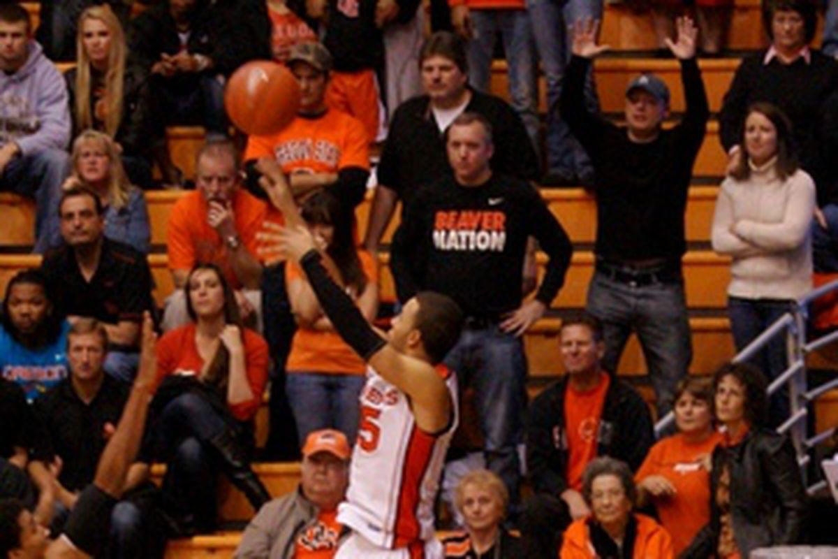 Roberton Nelson equaled his career high of 32 points to lead Oregon St. to an 87-77 win over Chicago St.