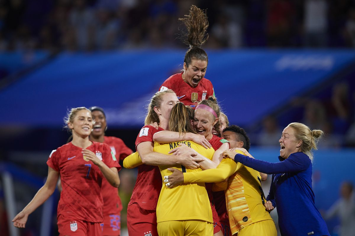 united states beat england 2 1 to secure a spot in the fifa world cup final
