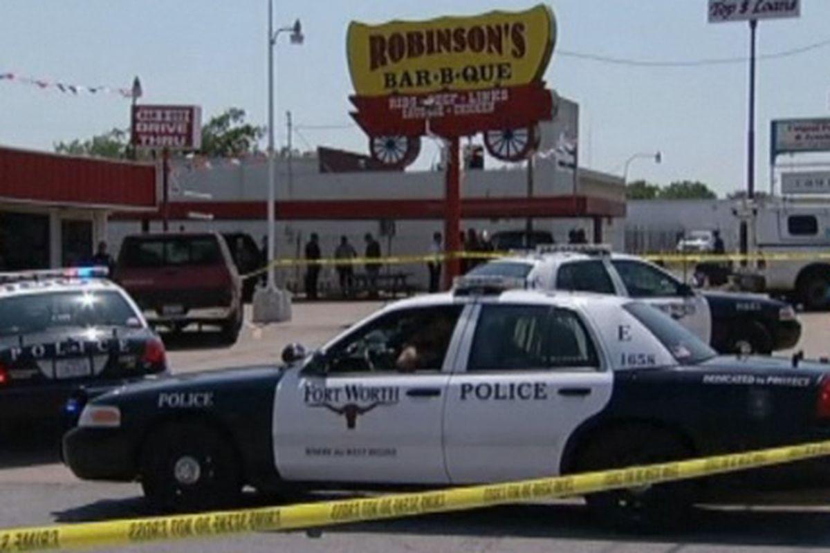 Police respond at Robinson's BBQ