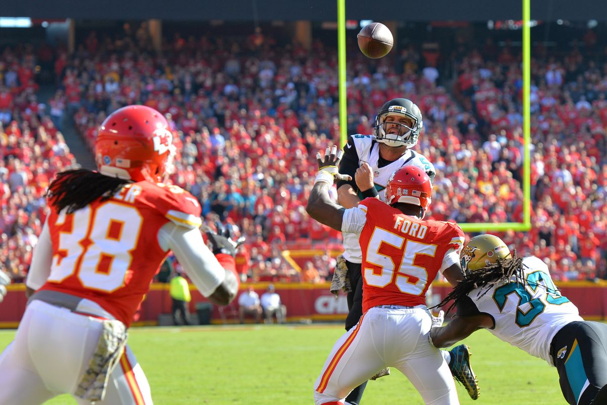 Chiefs lose Dee Ford to hamstring injury against Buccaneers Bucs