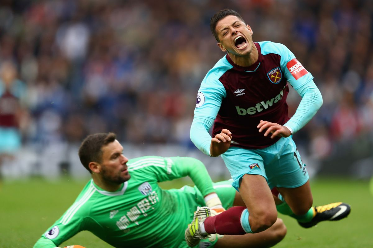 Slaven Bilic denies playing Javier Hernández as midfielder