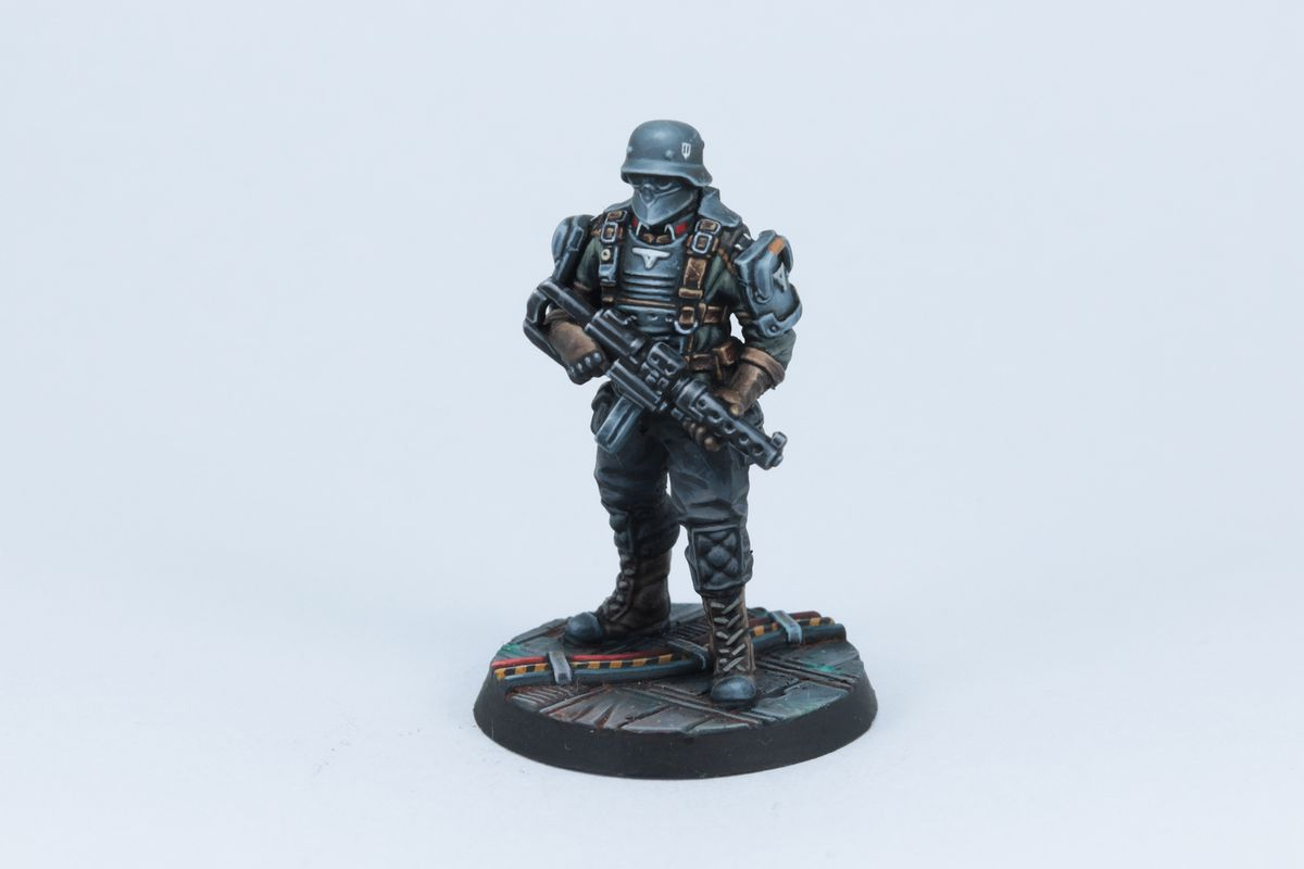 A fully painted soldat holding a sub-machine gun.