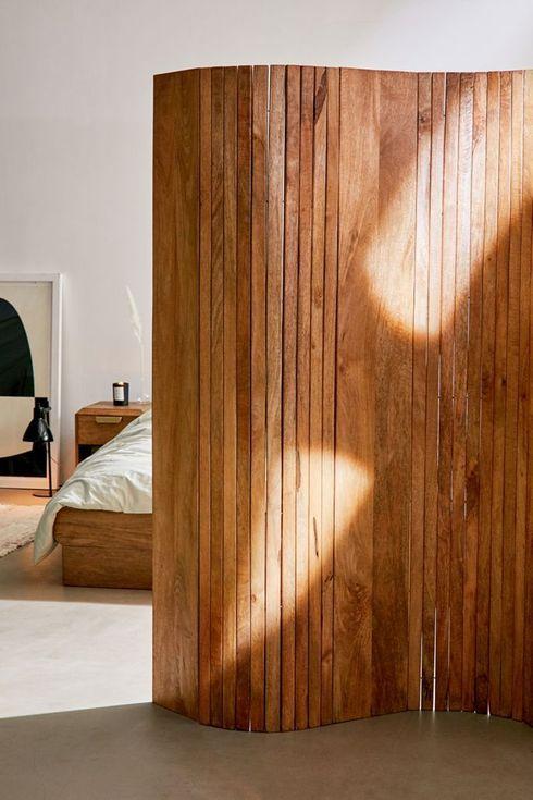 Curving wooden screen.