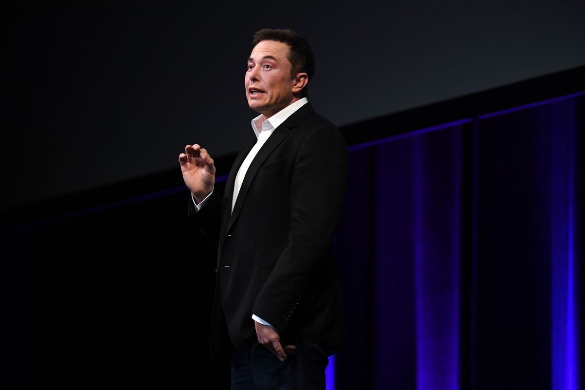 Elon Musk Says Flights to Mars Will Start in 2019