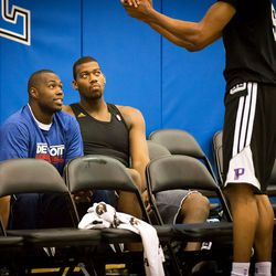 Mitchell chats with Stuckey and Monroe