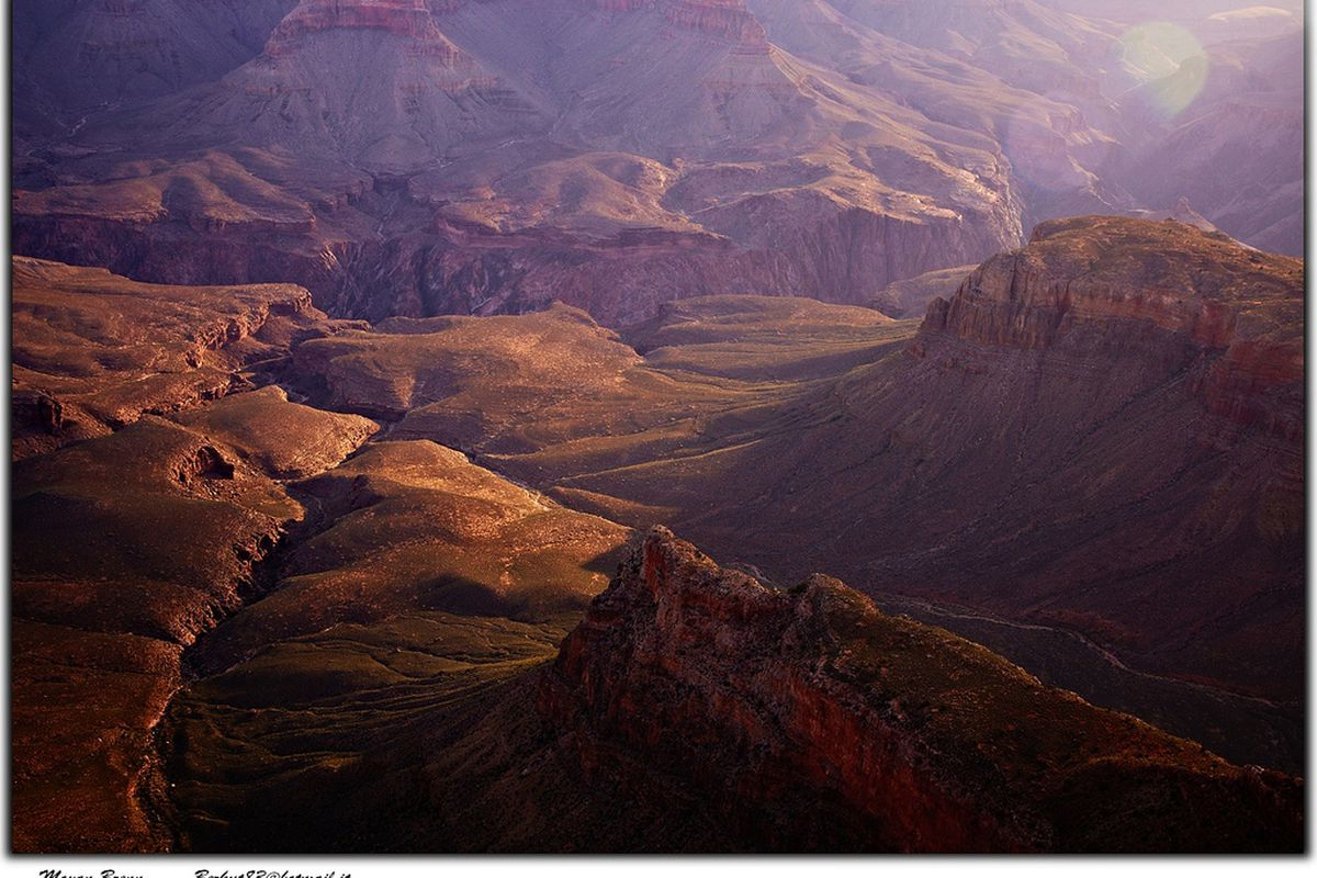 """Grand Canyon, Copyright by <a href=""""http://www.flickr.com/aigle_dore"""" target=""""new"""">Moyan Brenn</a>"""