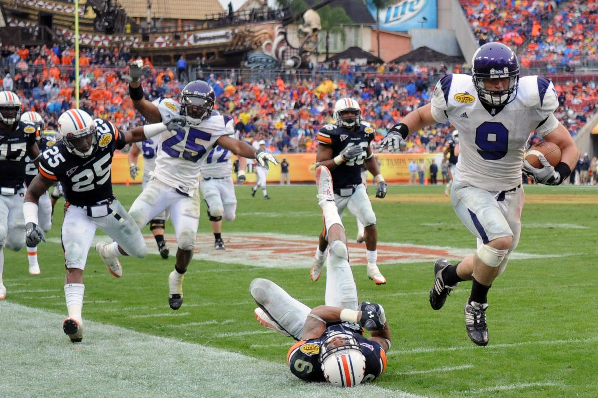 Remembering the 2010 Outback Bowl: Tumult in Tampa - Inside NU