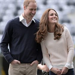The collar has a plot for outfit domination brewing here, and even Kate's hair can't stop it.