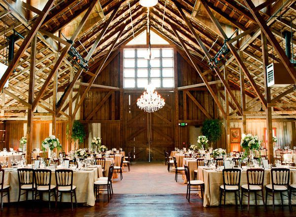 A California Barn Wedding Featured On SMP Photo Via