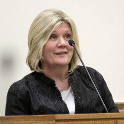 Linda Strong, a kindergarten teacher for Martin MacNeill's daughter Ada, testifies during MacNeill's murder trial in 4th District Court in Provo Thursday Nov. 7, 2013.