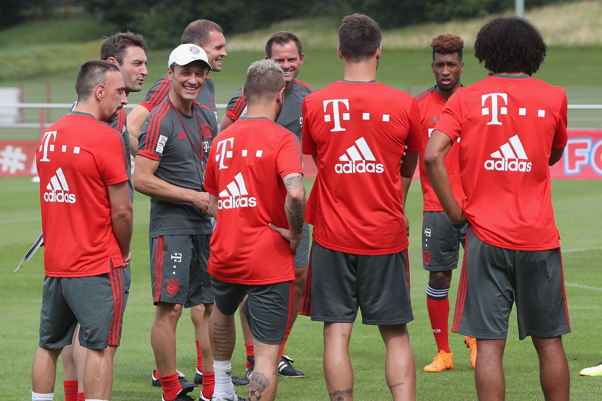 FC Bayern Muenchen - Training Session MUNICH, GERMANY - JULY 04: New team coach Niko Kovac of FC Bayern Muenchen talks to his team during a training session at the club's Saebener Strasse training court on July 4, 2018 in Munich, Germany