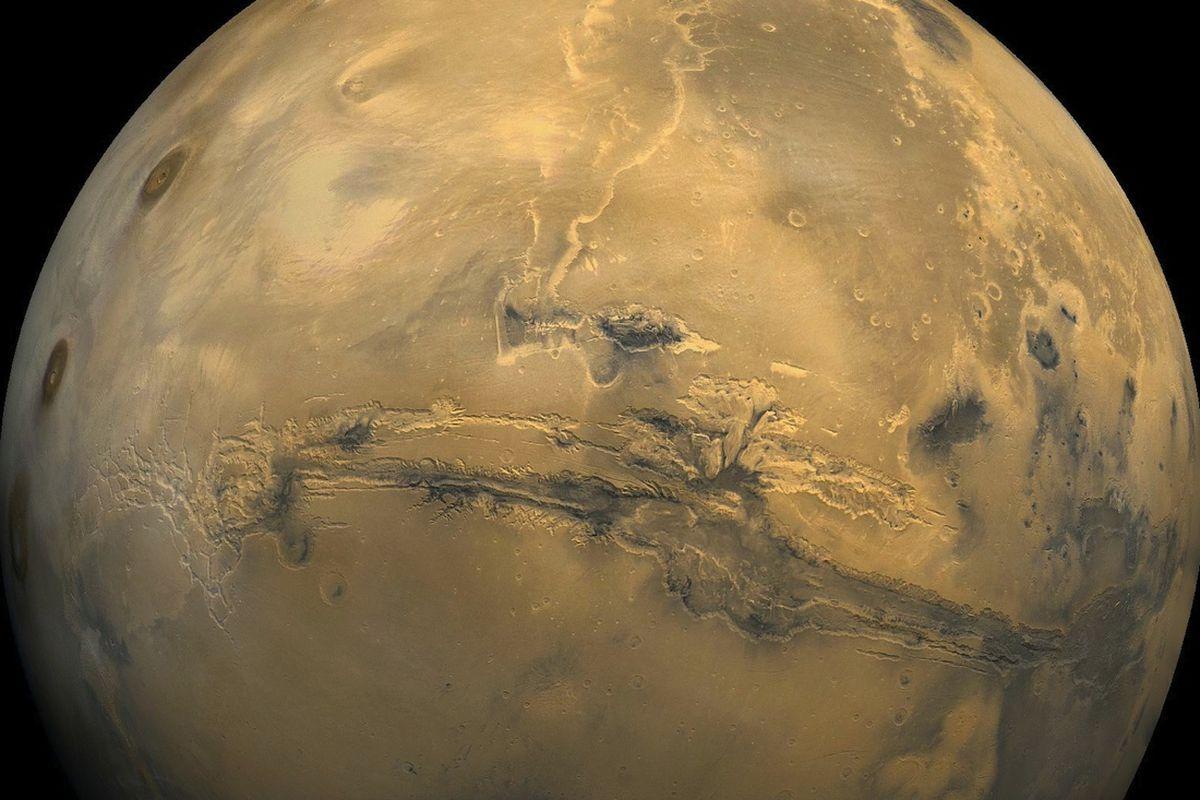 Jody Swann/Tammy Becker/Alfred McEwen, PICS (Planetary Image Cartography System), USGS in Flagstaff, Arizona.