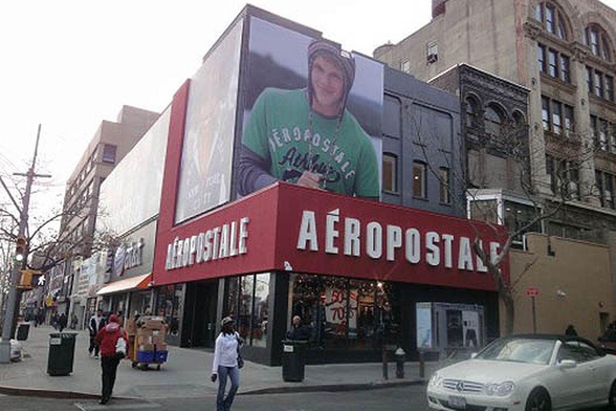"""Image via <a href=""""http://www.brownstoner.com/brownstoner/archives/2010/11/aeropostale_ope.php"""">Brownstoner</a>"""