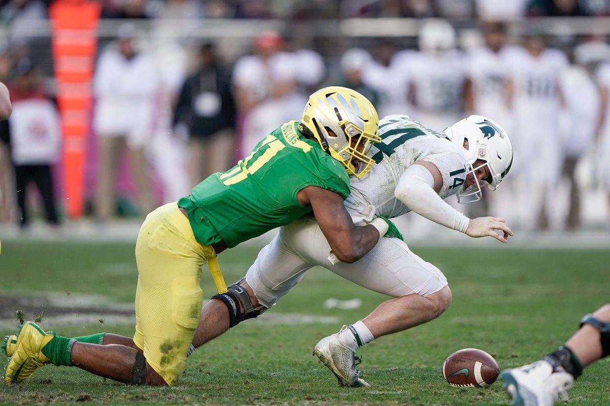 Denver Broncos select Oregon linebacker, Justin Hollins in the fifth