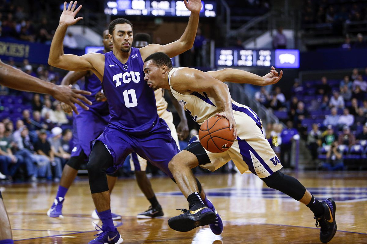 Andrews scored 32 and was perfect from 3 to lead the Dawgs in a blowout of TCU