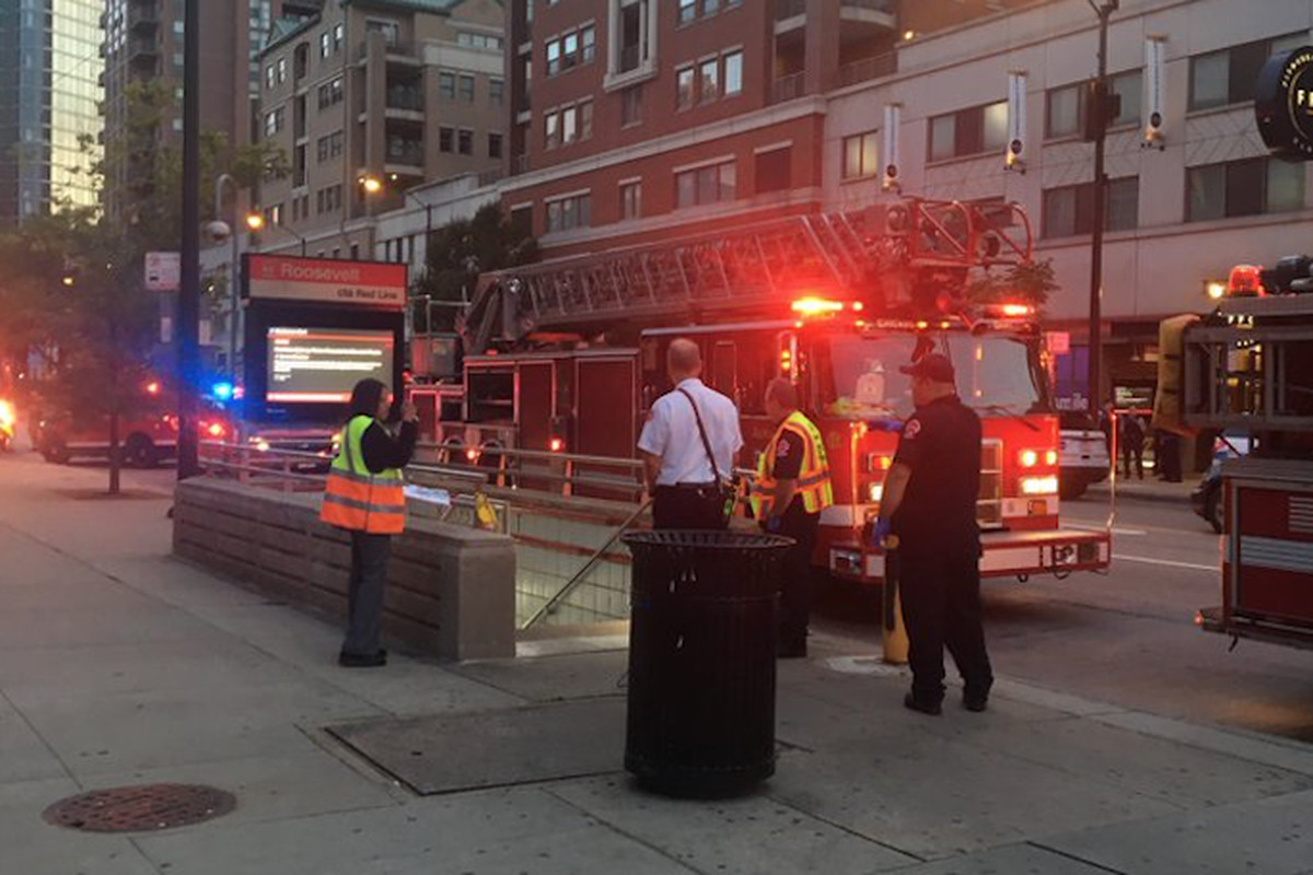 Woman dies after falling on CTA Red Line tracks at Roosevelt