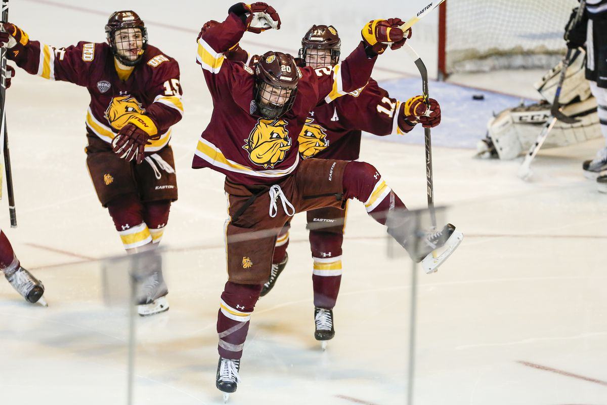 Minnesota Duluth invades Tsongas Center to face UMass Lowell in a battle of top ten teams in the country.