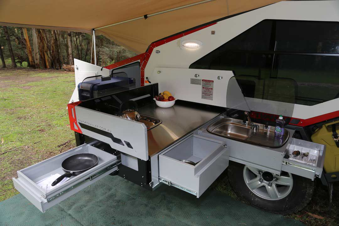 Rugged teardrop trailer has its own pull-out kitchen - Curbed