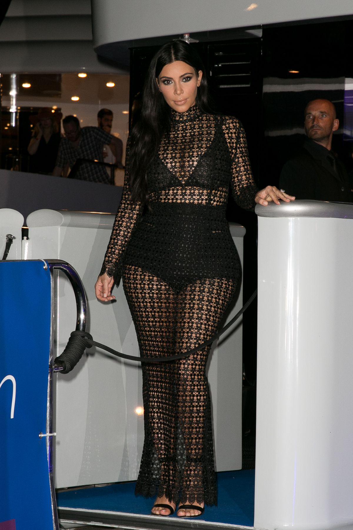 Celebrity Fashion: