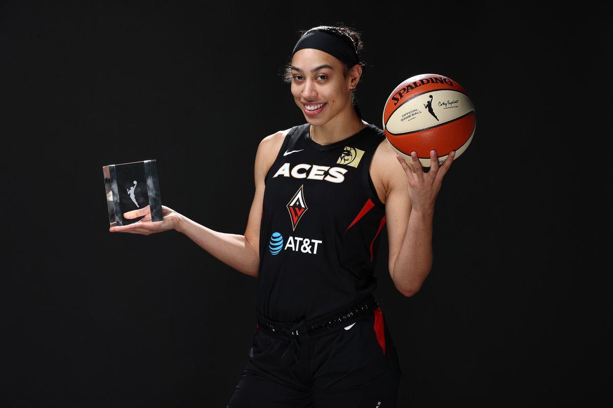 2020 Sixth Women of the Year Trophy Portrait