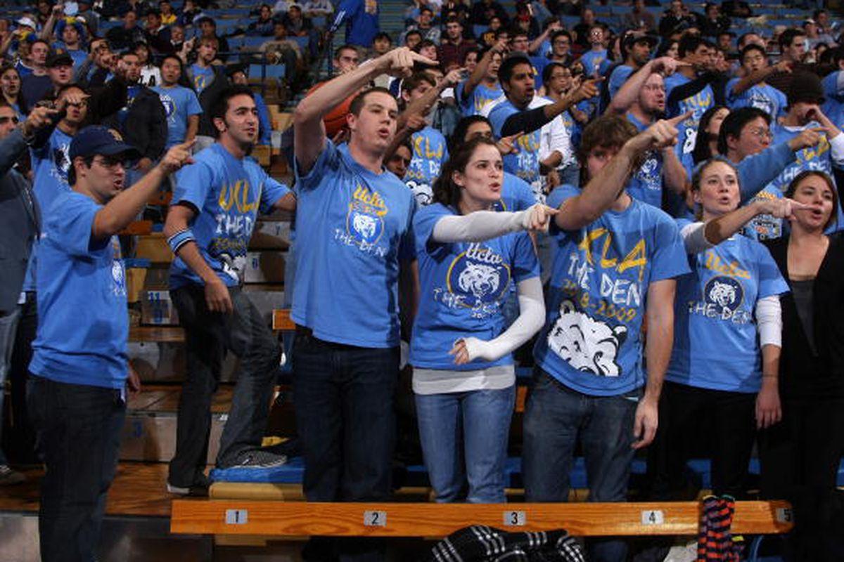 Morgan Center acting like the looooooooooooooooooosing team. (Photo by Stephen Dunn/Getty Images)