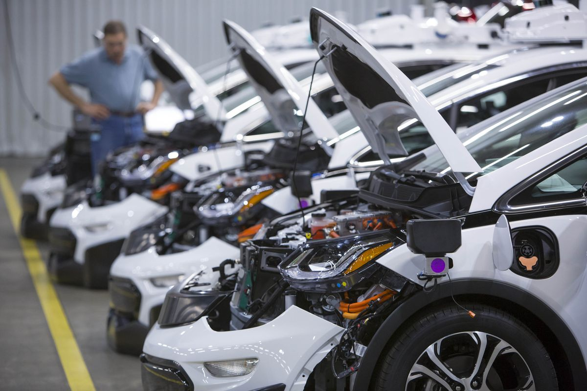 GM is ready to send 130 more self-driving Chevy Bolts onto US ...