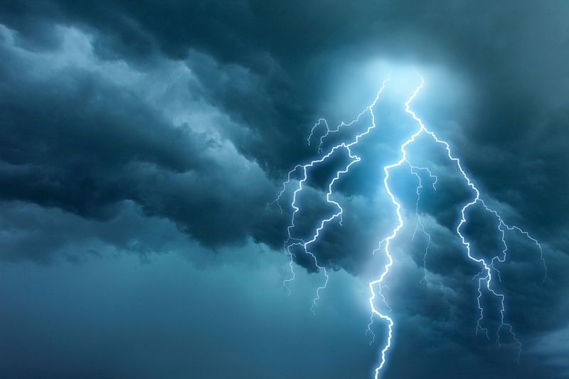 metal roof myth: lightning, July/Aug 2020