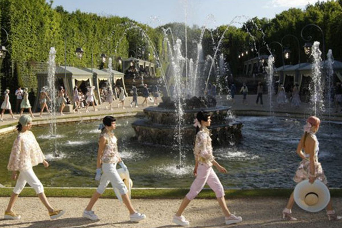 Cake-inspired dresses, man capris, and pastel hair at the Chanel Cruise show, via that Telegraph