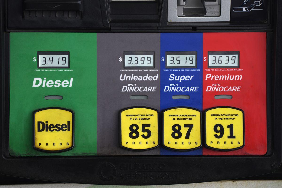 Prices are displayed near Cheyenne, Wyoming.
