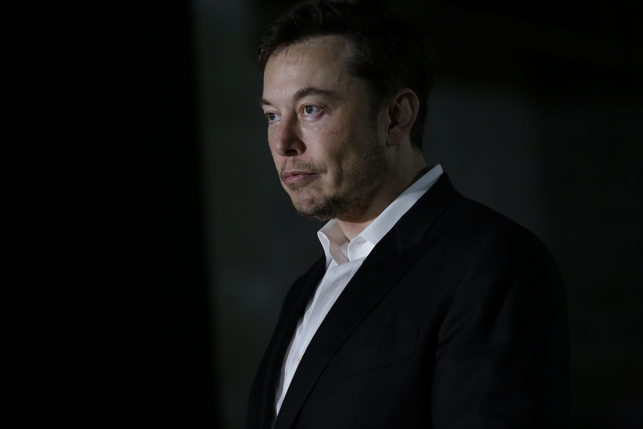 elon musk says he s been talking to saudi arabia about taking tesla private
