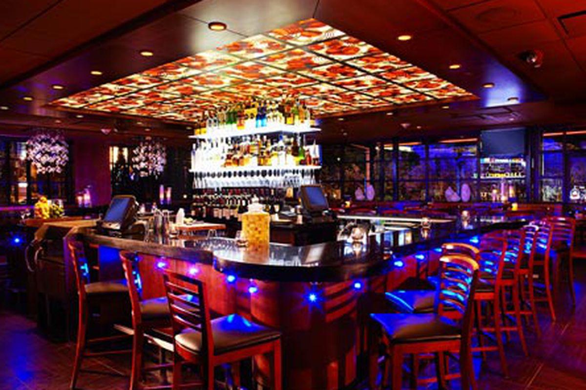 Ocean Blu Lounge at Ocean Prime.