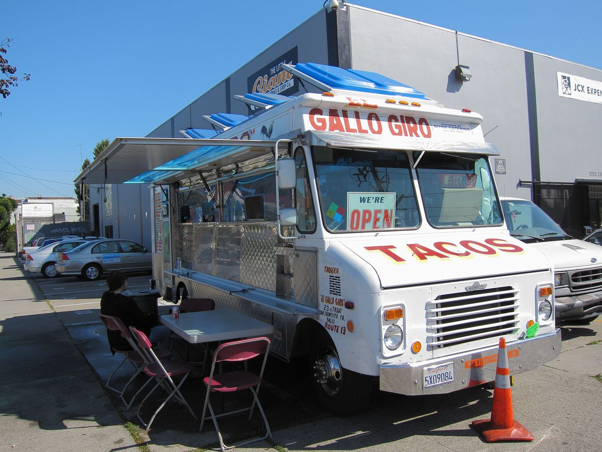 The El Gallo Giro food truck parked in its usual spot near Mission and 23rd