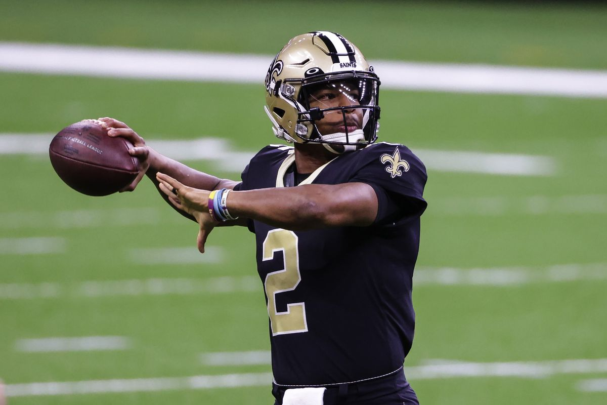 New Orleans Saints quarterback Jameis Winston throws during warm ups prior to kickoff against the San Francisco 49ers at the Mercedes-Benz Superdome.